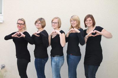 Organisieren Gottesdienste an ungewöhnlichen Orten: (v.l.: die Studentinnen Katarina Topalovic, Bettina Aust, Barbara Grösbrink, Judith Köffer und Lisa Höppener von der katholischen Fachhochschule.