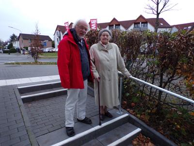 Verbindungsweg Schulbrede - Warburger Str. hat jetzt ein Geländer