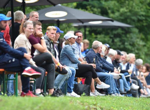 Team Hämmerling TuS Senneleger braucht Zuschauerunterstützung gegen Neuss